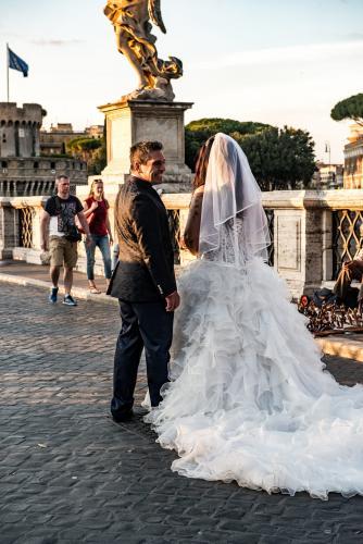Wedding Stroll on the Ponte Sant'Angelo